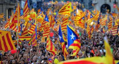 Katalunian independentismoa gorantz doa eta %45era heldu da azken inkestan