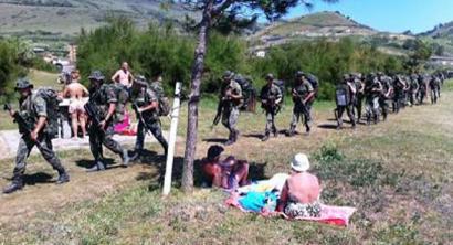 Espainiako ejertzitoak maniobra militarrak egin ditu Sopelako kostalde inguruan