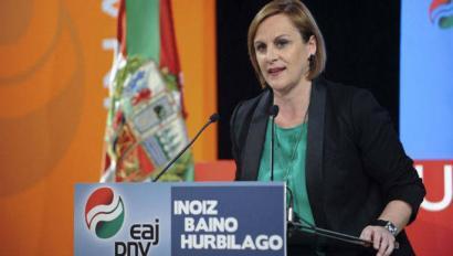 PSOEk eta PPk Kataluniako erreferenduma debekatzeko bat egitea kritikatu du EAJk