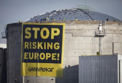 Bina hilabeteko espetxe zigorra Frantzian epaitutako Greenpeaceko 55 kiderentzat