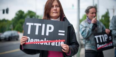 Europako Batzordeak uko egin dio TTIP akordioaz eztabaidatzeari