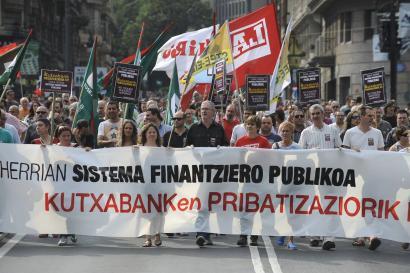 Kutxabanken pribatizazioaren kontrako herri sarea martxan