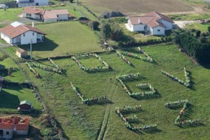 AHTaz Frantziako Trenbide Sareak emandako datuak faltsuak direla salatu dute