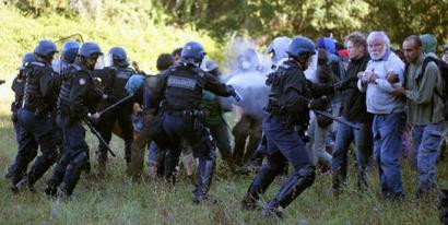 Gazte ekologista bat hil dute Okzitanian protesta betean
