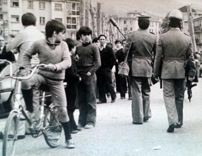 Espainiako militarrek Argentinako diktaduraren metodoak erabili nahi zituzten Euskal Herrian
