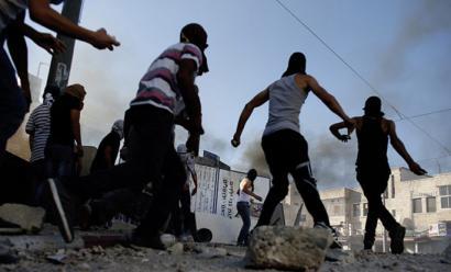 Israelgo poliziak gazte palestinar bat hil ostean, tentsioak gora egin du Zisjordanian