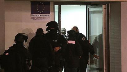 'Charlie Hebdo'koaren biharamunean Parisen beste polizia bat hil dute tiroz