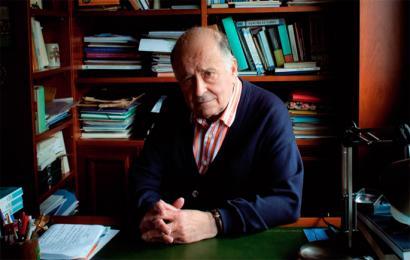 Juan Garmendia Larra�aga: