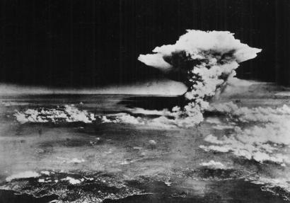 Gizakion eraginpeko garai geologiko berria ireki zuen lehen eztanda nuklearrak?