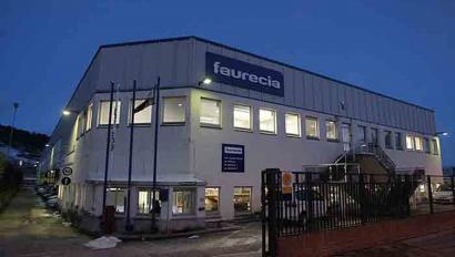 Faurencia-Learrek Burlatan duen 190 langileko fabrikaren itxiera iragarri du