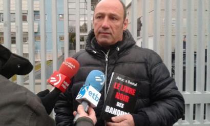 Frantziako polizia Bizi!-ren egoitzan arratsaldean sar daitekeela ohartarazi dute