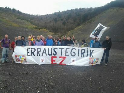 Marching and planting trees against waste incineration in the Basque Country