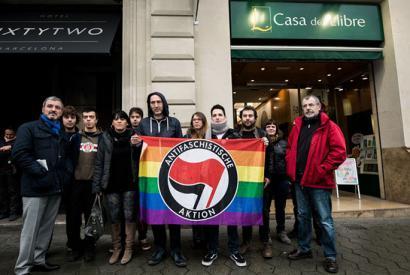 Casa del Libroren aurkako kanpaina abiatu dute liburu homofobo bat ez duelako kendu