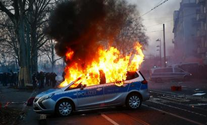 Protesta gogorrak Europako Banku Zentralaren egoitzaren inaugurazio atarian