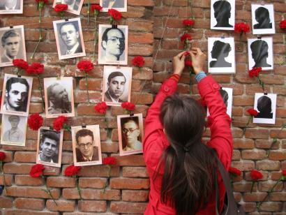 NBE: �Espainia behartuta dago kargu frankistak estraditatzera�