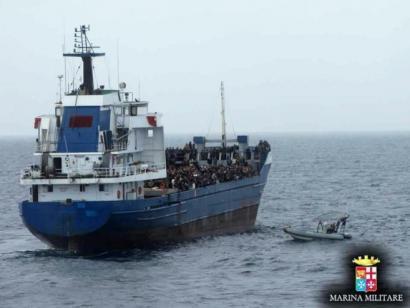 400 bat migratzaile hilda Libiatik Italiarako bidean