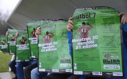 Preso eta iheslarien aldeko Futbol 7 txapelketa Hendaian, maiatzaren 30ean