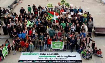 EHEren deia Euskaraz Bizi Egunerako: Euskararen alde egotetik euskaraz egitera