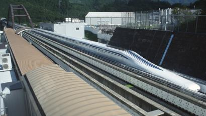 600 km/h-ko abiadurara iristen den trena probatzen ari dira Japonian