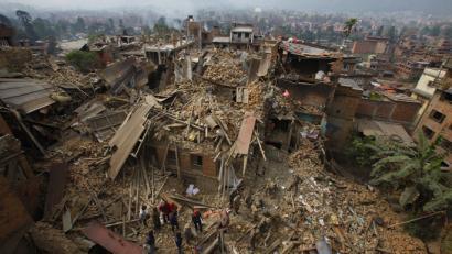 Lurrikara Nepalen: euskal herritar guztiak onik daude