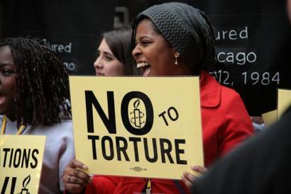 Poliziak torturatutakoentzat 5,5 milioi dolarreko kalte ordainak emango dituzte Chicagon