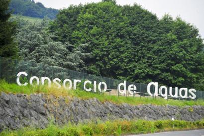 Euskal Herriko bi ur hornitzaile pribatizatze arriskuan daudela ohartarazi dute