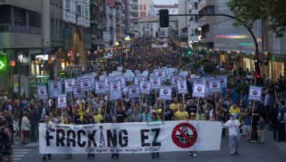 Hautagaiak, frackingarekiko jarrera argitzera behartuta