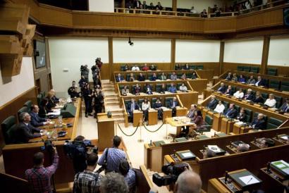 Frackinga eragozten duen legea onartu du Eusko Legebiltzarrak