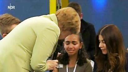 Merkelek negarrez utzi zuen ume palestinarra