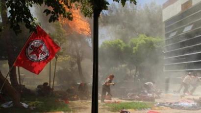 Gutxienez 30 hildako Kurdistanen talde sozialista baten aurkako atentatuan