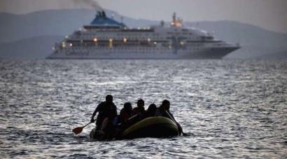 Errefuxiatu krisi globalak ez dauka oporrik