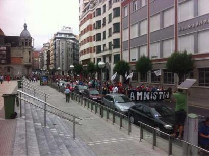 Amnistiaren aldeko manifestazioa Auzitegi Nazionalera eramanen dute