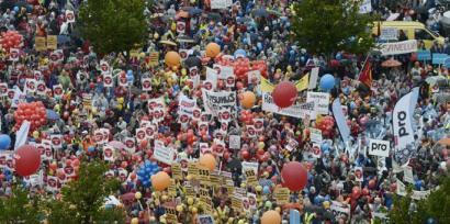 Finlandian protesta jendetsuak murrizketen aurka