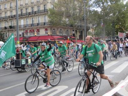 Alternatiba Tourra arrakasta handiz amaitu da Parisen, lau hilabeteko ibilaldia burutuz
