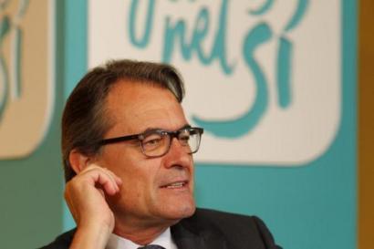 Artur Masek elkarrizketarako gonbitea egin dio Rajoyri The Guardian egunkarian