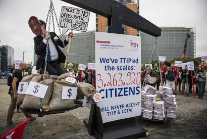 TTIPen aurkako hiru milioi sinadura, haren lehengusu transpazifikoa adostu eta biharamunean