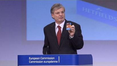 Europako Batzordearen eta tabako industriaren arteko ezkutuko bilerak jomugan