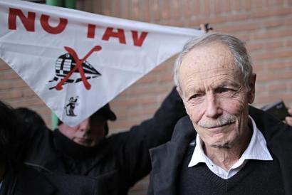 Erri de Luca absolbitu dute AHTren kontrako adierazpenen inguruko epaiketan