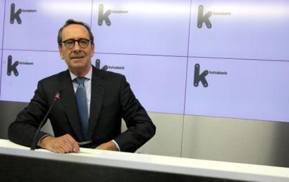 Kutxabanken berregituraketa plana: lanpostuak suntsitu eta azpi-kontratazioak gehitu