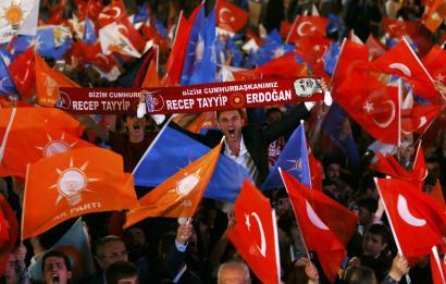 Erdoganek berea egin du: AKPk gehiengo osoa berreskuratu du Turkian