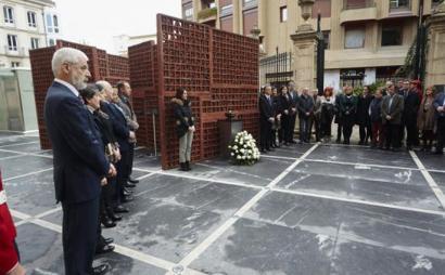 Alderdien arteko zatiketa Memoriaren Egunean, urtero legez