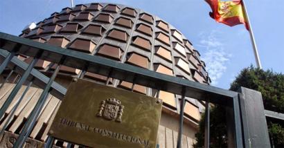 Konstituzio Auzitegiak bertan behera utzi du Kataluniaren independentziarako adierazpena