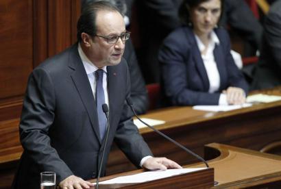 Konstituzioaren erreforma eta bonbardaketa gehiago iragarri ditu Hollandek