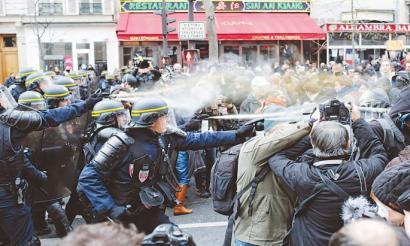 300 atxilotutik gora Parisen Klima Aldaketaren Goi-bileraren bezperan