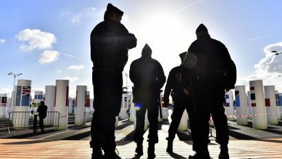 Salbuespen egoera Frantzian: etxetik urruntzea debekatutako baten lekukotza