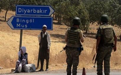 Turkiako segurtasun indarrek 32 pertsona hil dituzte asteburuan Ipar Kurdistanen