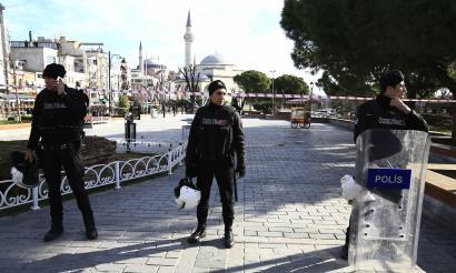 10 hildako Istanbulgo gune turistiko batean izandako leherketaren ondorioz