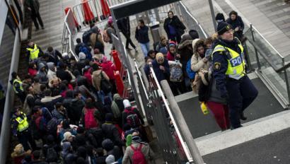 Errefuxiatuei objektu baliotsuak konfiskatzeko lege proposamena adostu du Danimarkako Gobernuak