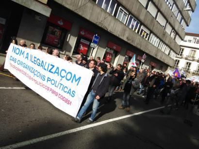Causa Galiza talde independentista 'de facto' legez kanpo utzi izana salatu dute