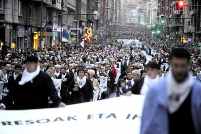 Konponbiderako bidearen oztopatzea salatu eta protestak iragarri ditu EPPK-k